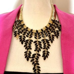 NWT Steve Madden gorgeous necklace